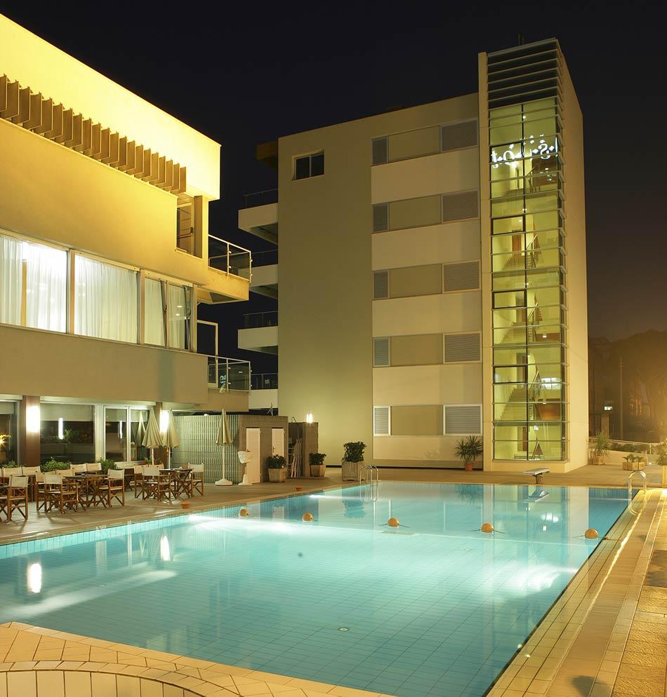 Hotel 4 stelle con piscina miramare rimini albergo con - Hotel cervia 4 stelle con piscina ...